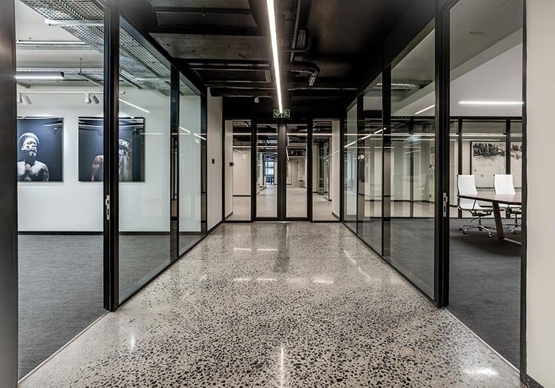 Metal Windows - w17 Harringtons - Entrance