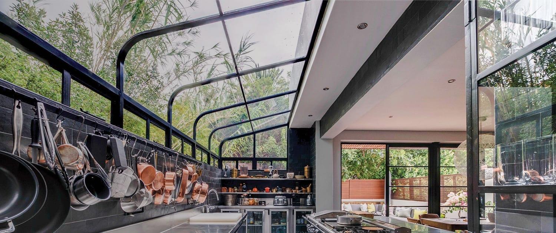 Metal Windows Aluminium Windows Kitchens Gr Left The Difference