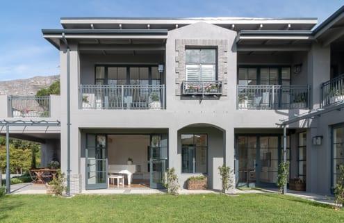 Ottimo Cibo - House Booth Steel Windows
