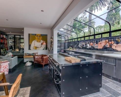 House Tomlin - Kitchen View - Metal Windows