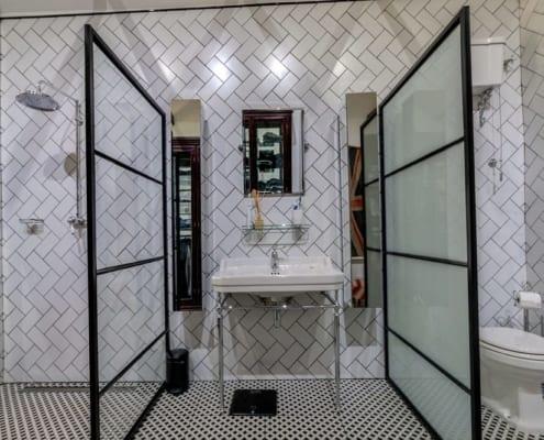House Tomlin - Metal Windows - Bathroom