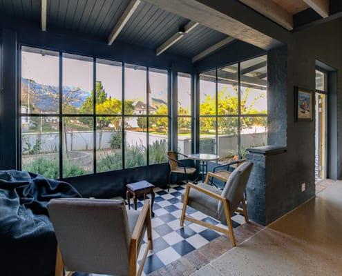 Enkeldoorn - Metal Windows - Lounge - Outside View