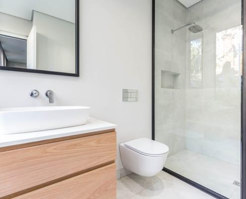 House Nel - Metal Window - Bathroom