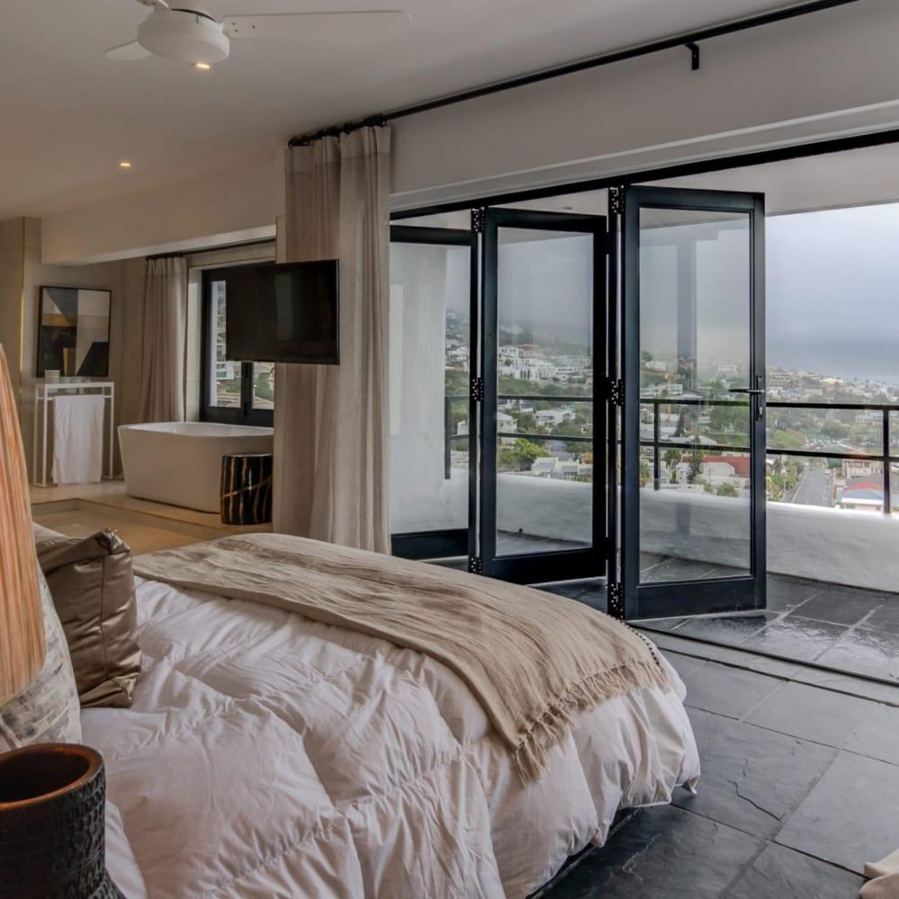 House Sedgemoore Rd - Metal Windows - Bedroom