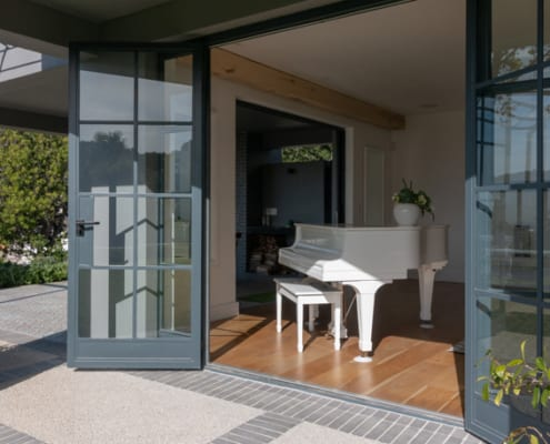 House Booth - Metal Windows