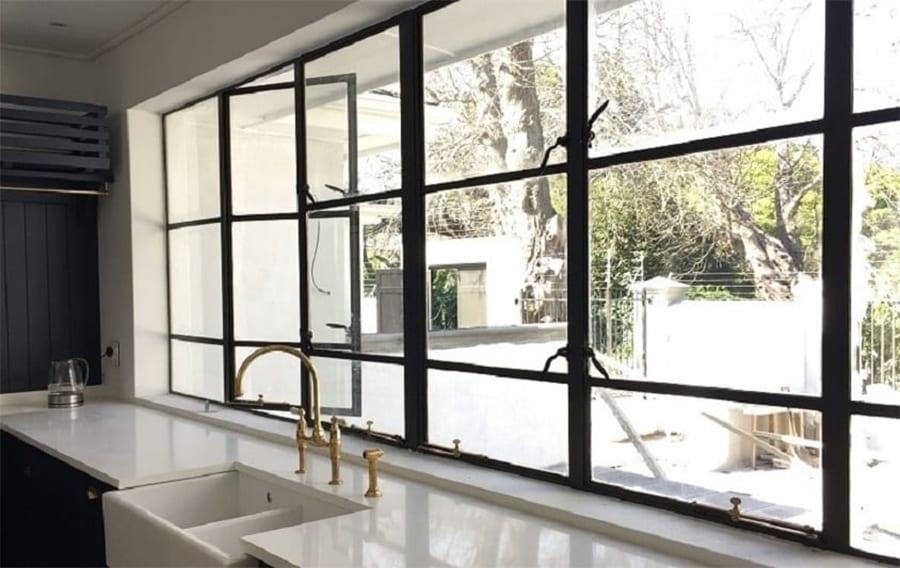 House Zabow - Metal Windows