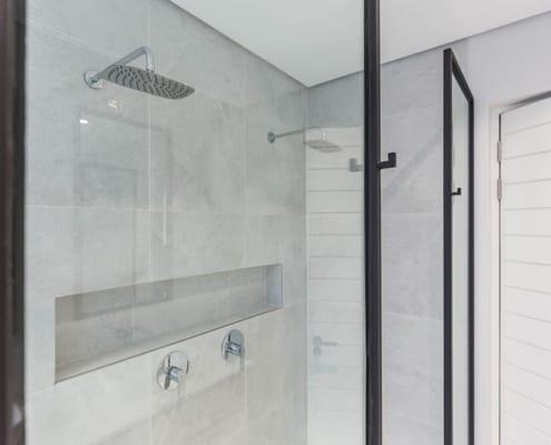 Master bathroom ensuite - Metal Windows - House Nel