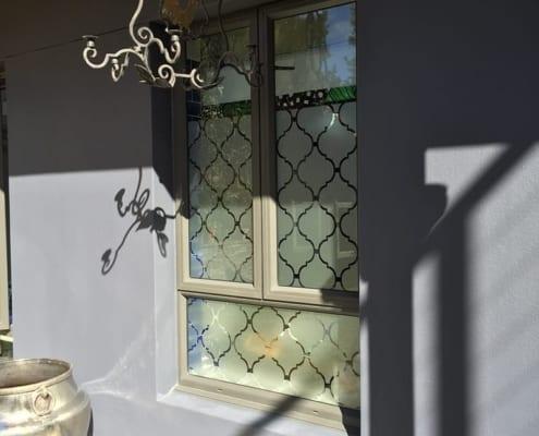 Tamboerskoof-Family-Home-Aluminium-Aluminium-Windows-with-frosted-glass