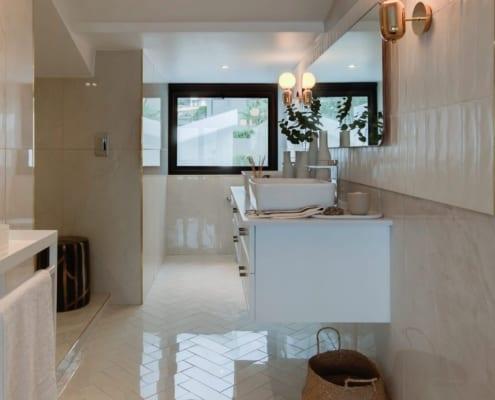 House Sedgemoore Rd - Metal Windows - Living Room - Aluminium Doors - Bathroom