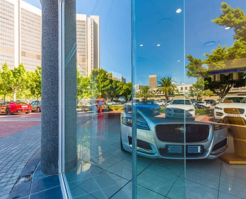 JAGUAR -Showroom - Metal Windows