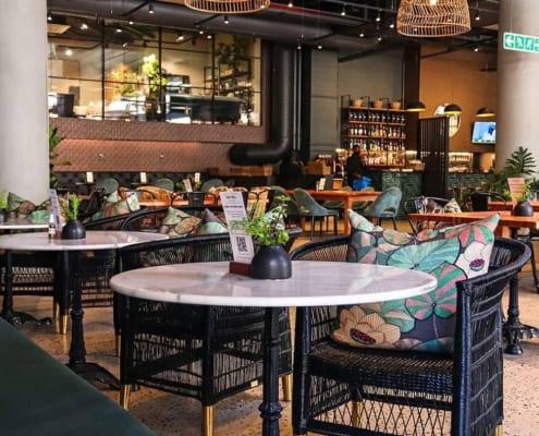 Fratteli Palmieri Restaurant - Metal Windows - Tables