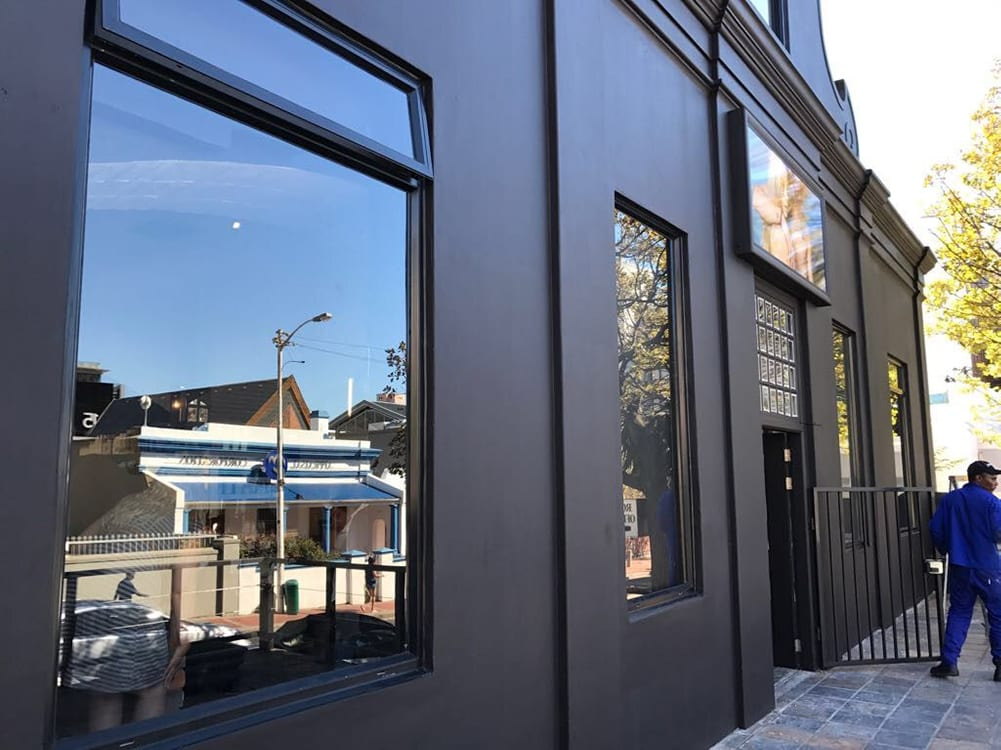 Scar Hai Salon - Metal Windows