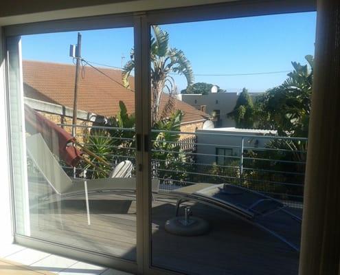 Lipmen Slider - Metal Windows - Outside