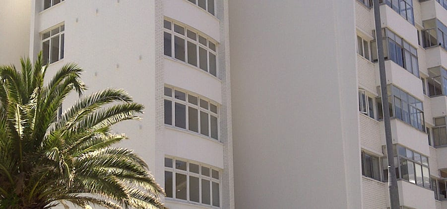 Rapallo Apartment - Metal Windows - Main Entrance