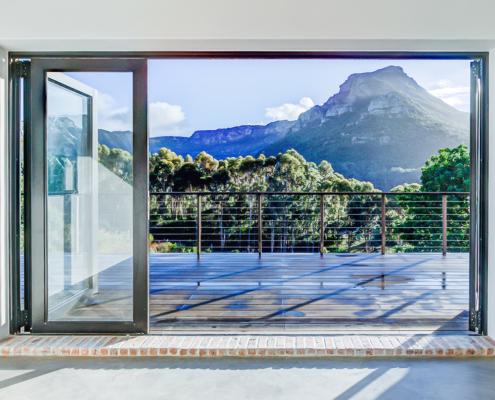 Silver Mist Estate - Metal Windows - Stacking Doors Fullt Opened